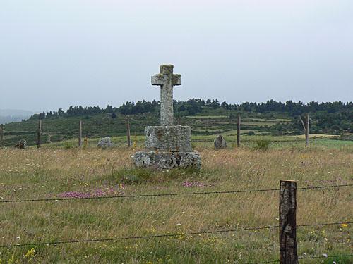 croix entre aumont et nasbinal.jpg