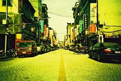 Street / Let's go to Taiwan! (Shoji Kawabata. a.k.a. strange_ojisan) Tags: 35mm lomo lca xpro cross taiwan slide 200 processing taipei