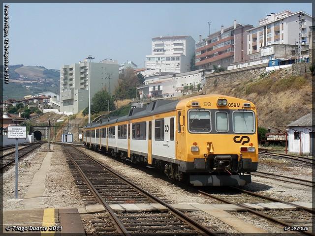 Série 592 (ex-RENFE) - Página 2 6036676926_3a6a8db215_z