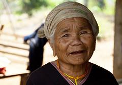 Portrait Old Woman Tribe Karen [Thailand] (Tim.D Photography) Tags: old portrait woman color look thailand eyes asia outdoor femme north karen yeux tribes asie couleur vieille regard thailande karentribe exterieur tribus tribue soutasia sudasie nordthailande