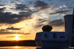 I´m loving it. (Sherop Motivos Visuales) Tags: españa sun sol clouds atardecer spain mac coruña cola burger galicia nubes hamburguesa ourense visuales refresco orense motivos donald´s a sherop