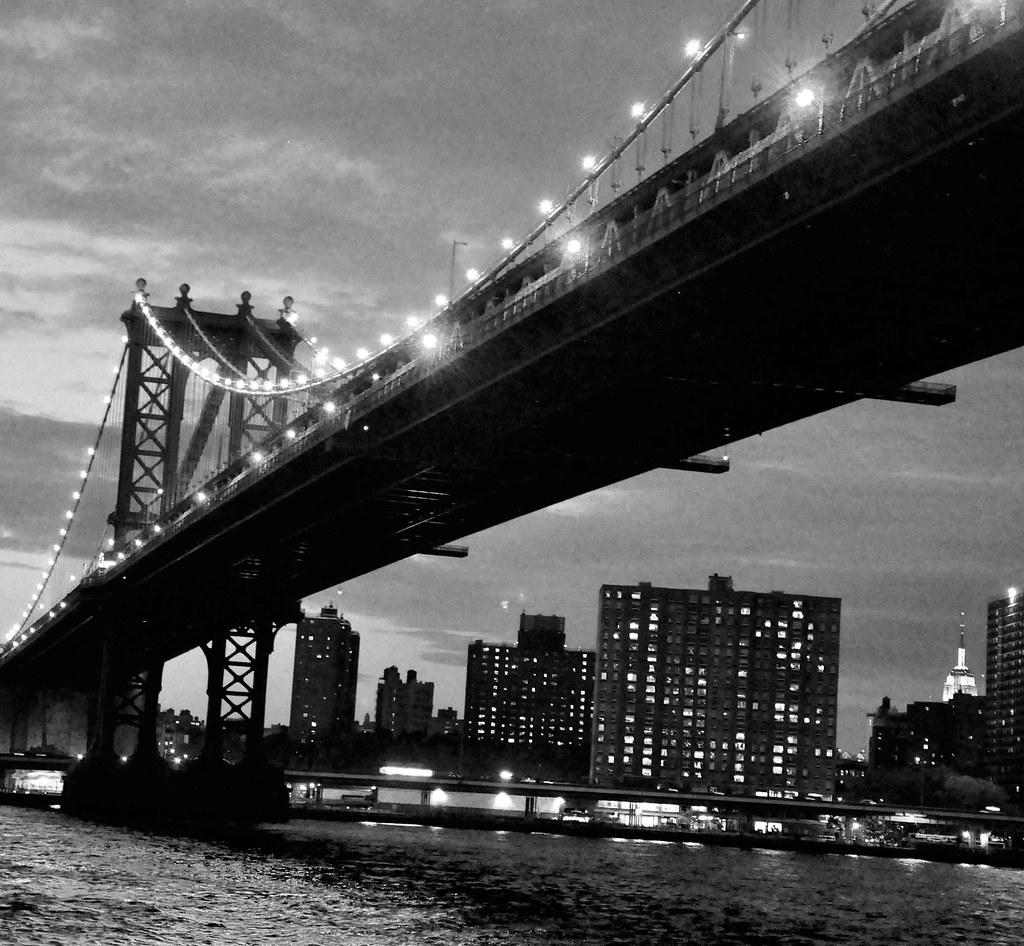 NY-BW-pont