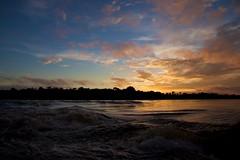 Amanecer en Cocuiza (el pequeo ojo) Tags: ro river venezuela selva jungle estadobolvar caurariver rocaura
