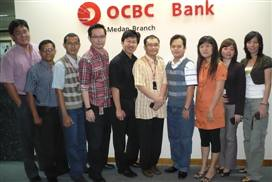 "Bank OCBC • <a style=""font-size:0.8em;"" href=""http://www.flickr.com/photos/41601386@N04/5917029234/"" target=""_blank"">View on Flickr</a>"