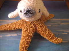 mamegoma amigurumi (isisxosiris07) Tags: ocean white beach animal sealife seal kawaii otter walrus mamegomaamigurumisanx