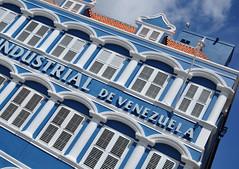 Industrial de Venezuela (Lisa van 't Hof ) Tags: building netherlands de industrial venezuela curacao curaao willemstad gebouw antilles antillen nederlandse eilanden onderwindse