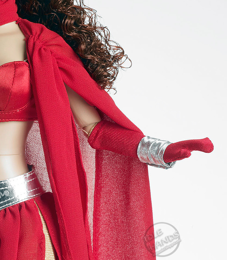 sdcc-scarlet-witch-03