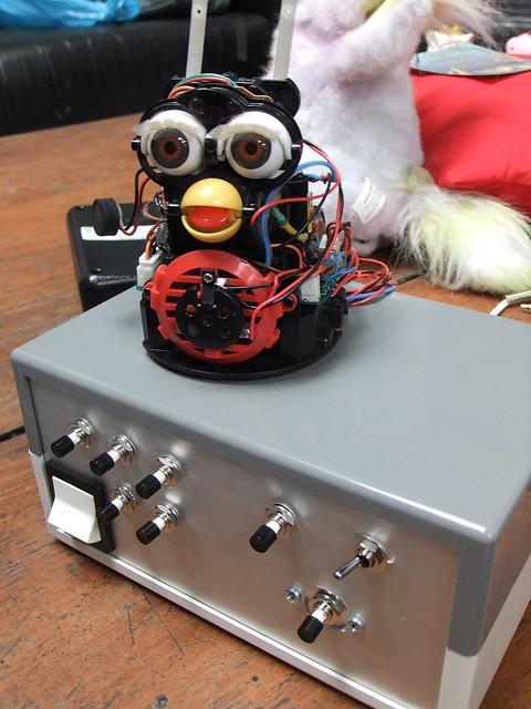 Circuit Bending 101  http://mycroftmilverton.me.uk/memoirs/?p=1605 - 04