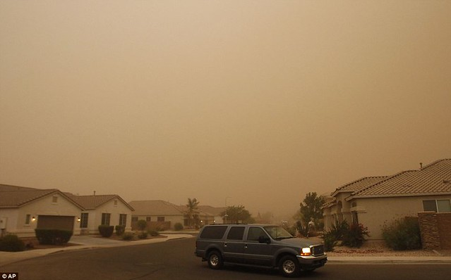 Day the sky turned brown 3,000ft high dust cloud rolls across Arizona AGAIN  8