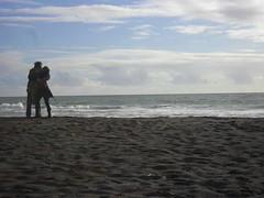 l'amour (Mypurple.world) Tags: chile sea art love beach mar kiss pareja amor joy kisses happiness playa alegria felicidad beso lamour caricia maule pelluhue