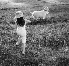 Летние радости (Dmitry Chastikov) Tags: summer girl nikon goat summertime uglich d90 девочка explored коза углич дмитрийчастиков 20110714dsc2067cropebw