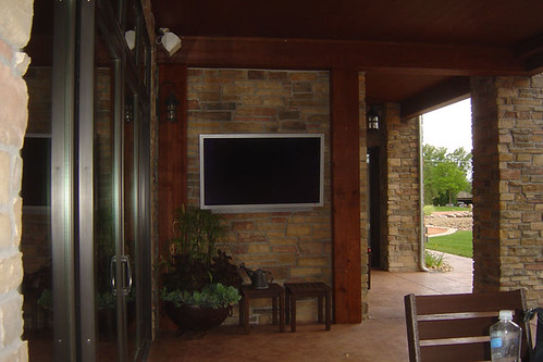 "outdoor-TV • <a style=""font-size:0.8em;"" href=""http://www.flickr.com/photos/65239685@N05/5962731190/"" target=""_blank"">View on Flickr</a>"