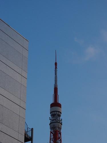 東京タワー 2011/3/11 大震災で先っぽが歪む