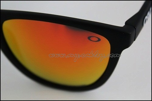 Transparent  O  logo at the left lens Oakley Logo Transparent