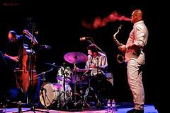 CCXLVII ( Pepe GV) Tags: canon huelva andalucia trio  paquito saxofon 247 larabida palosdelafrontera miano saxofonista ccxlvii olétusfotos ♪♬ antoniomesa pepegv jaguva doscientoscuarentaysiete whossmoking driverajazzfabio