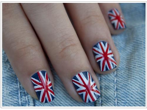 britishFlagManicureNails