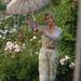 Garden-Girl-Fil-Roses-Roses-4