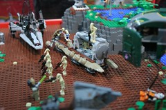 Star Wars Display Case - LEGO Booth at Comic Con - 13