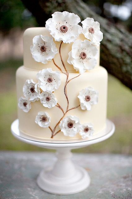 2 Stylemepretty-Gumpaste Flower Peach Wedding Cake Idea