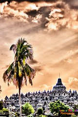 Borobudur Temple (Semur Kadal) Tags: canon indonesia yogyakarta hdr borobudur centraljava adobelightroom 400d niksoftware topazadjust dblringexcellence tplringexcellence semurkadal semurkadalphotography