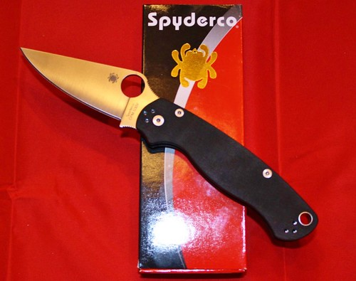 "Spyderco ParaMilitary2 Folding Knife 3-7/16"" S30V Plain Blade, G10 Handles"