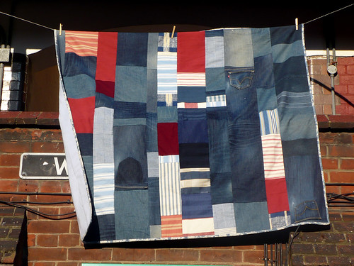 Denim and scraps quilt