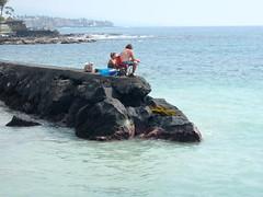 HSS (Mr. Happy Face - Peace :)) Tags: sky cloud sun bench hawaii fishing surf waves maui seats oceanfront hbm bigisand benchmonday happybenchmonday