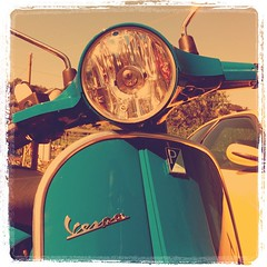 Vespa (Kyoto Song) Tags: vintage square vespa scooter squareformat piaggio iphone px lordkelvin px150 2011 iphoneography iphoneonly instagramapp uploaded:by=instagram foursquare:venue=4c642320e1621b8d64a12753