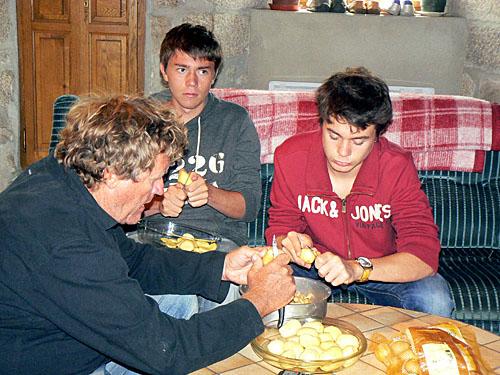 corvée de patates.jpg
