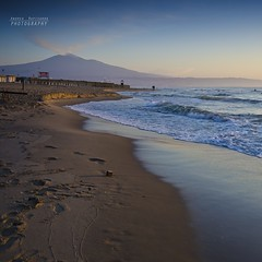 L'Etna all'alba dalla playa (Andrea Rapisarda) Tags: sea italy seascape beach sunrise square sand nikon italia mare waves alba wideangle playa sicily etna spiaggia catania sicilia gettyimages onde sabbia mtetna sigma1020 d7000 andrearapisarda