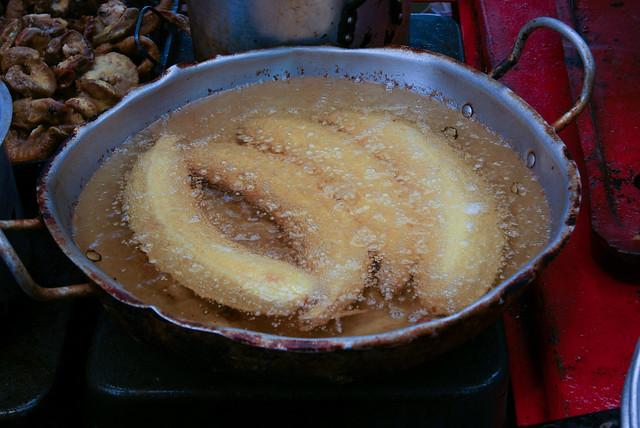 fritando a banana