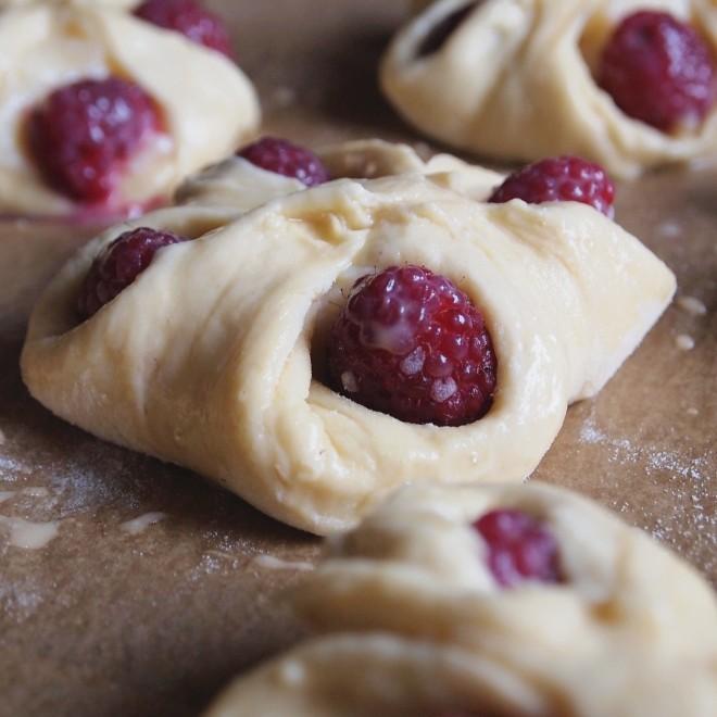 brioche with rasberries and vanilla pudding