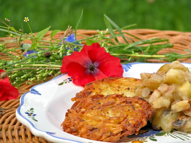 German Potato Pancakes with Chunky Apple Sauce