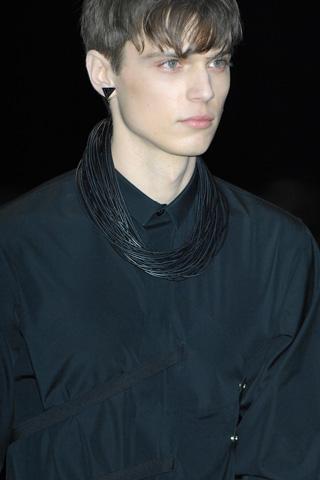 Enrico Petzold3015_FW09 Paris Dior Homme(Men Style.com)