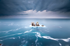 Just Twins (J.G. Damlow) Tags: blue sea wallpaper espaa cliff costa azul stone del zeiss de t landscape lost golden climb mar al spain puerta wind sony award paisaje master shore carl vistas fondo con escritorio santander acantilado ola cantabria perdidos piedras jg iphone 1635 acantilados a900 natureplus flickraward bestcapturesaoi flickraward5 damlow
