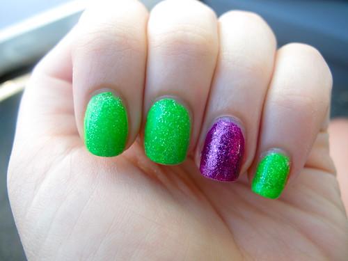 Livingaftermidnite - Glitter Nail Polish OPI Shatter Day 2