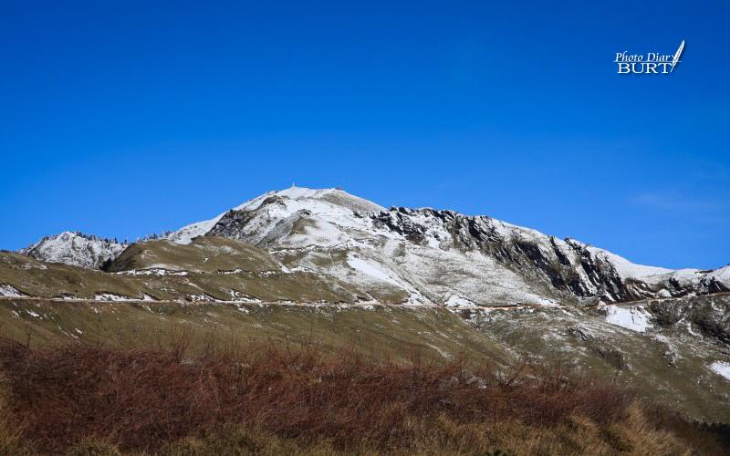 雪景中的合峰主峰