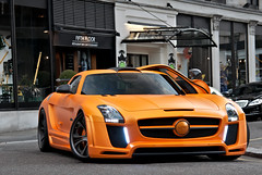 Corner Boy (tWm.) Tags: uk fab orange london car mercedes benz design nikon stream thomas gull super mein arabic arab nikkor supercar f4 v8 sls amg qatar 24120 qatari gullstream d7000 133333