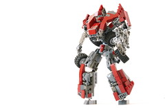 C-0T Autobot (Louis K.) Tags: light canon gun transformation lego transformer alien transport transformers transforming autobot transform decepticon defender transforms cybertron c0t impossibru