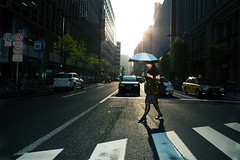(Corentin Walravens) Tags: street city japan backlight umbrella tokyo candid flash streetphotography crossroad japon contrejour challengeyouwinner