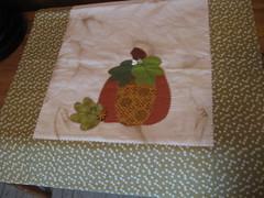 Trilhos abboras (ceciliamezzomo) Tags: pumpkin handmade patchwork trilho abbora tablerunner