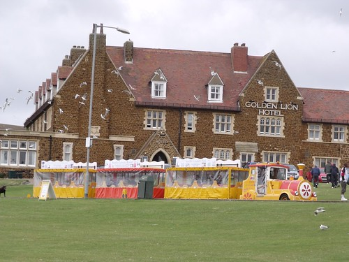 The Golden Lion Hotel - Hunstanton - Tourist train