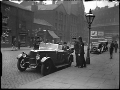 Policing on Whitworth Street in 1938 (Greater Manchester Police) Tags: manchester police alvis 1933 whitworthstreet piccadillystation britishpolice manchesterpolice ukpolice greatermanchesterpolice greatermanchesterpolicemuseumandarchives 1930spolice unitedkingdompolice thirtiesmanchester 1930smanchester thitiespolice