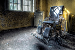 wheelchair at asylum L ([AndreasS]) Tags: old urban abandoned norway danger hospital psychiatry weird norge crazy chair gloomy decay interior secret wheelchair wheels corridor eerie equipment medical ill gal infiltration sit inside syk forsaken exploration sick asylum derelict rom hus trespassing stol lier mental sykehus hemmelige urbex bygg bygning infiltrate haikyo rullestol hemmelig de forlatt asyl steder psyciatric omrde nedlagt forlatte psykiatrisk mentalsykehus mrnorue hjelpemiddel galehus psykiatrihistorie forfallestetikk