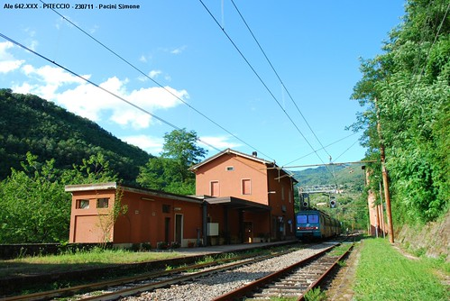 """Stazione di Piteccio. • <a style=""""font-size:0.8em;"""" href=""""http://www.flickr.com/photos/64273852@N03/5978574967/"""" target=""""_blank"""">View on Flickr</a>"""