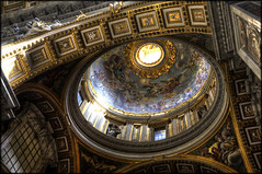 Eye of Heaven (you_zi) Tags: italy stpeters rome canon hdr canonef1740mmf4l 5dmk2 canoneos5dmk2
