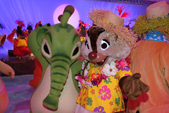 Having fun with the Characters at Stitch's Hawaiian Paradise Party (Disney Dan) Tags: paris france june europe dale felix disneyland character eu disney characters tac disneylandparis dlp disneylandresortparis disneycharacters disneycharacter 2011 dlpr liloandstitchmovie stitchshawaiianparadiseparty hawaiianparadiseparty