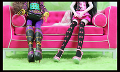 Shoes (DollsinDystopia) Tags: photography doll dolls mattel articulateddolls dollscenes monsterhigh draculaura clawdeenwolf dayatthemaul