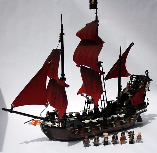 This thing was big, and very hard to photograph. Queen Anne's Revenge