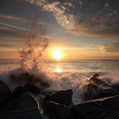 Caister Sunrise 04 (Ivesy3000) Tags: beach sunrise norfolk splash caister caisteronsea